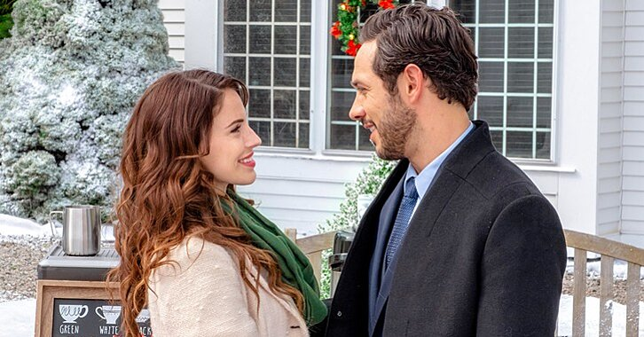 Hallmark Will Air Another 31 Back-to-Back Christmas Movies This Weekend