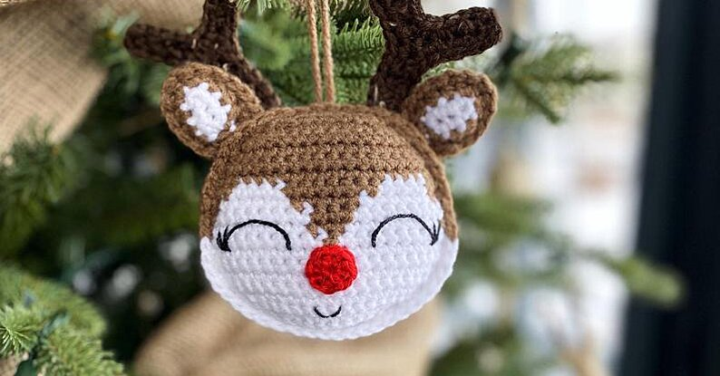 Crochet Christmas Ornaments Are The Holiday Craft We're Going Crazy For