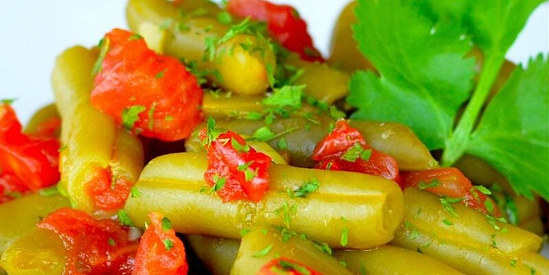 hot and spicy green beans with tomato recipe