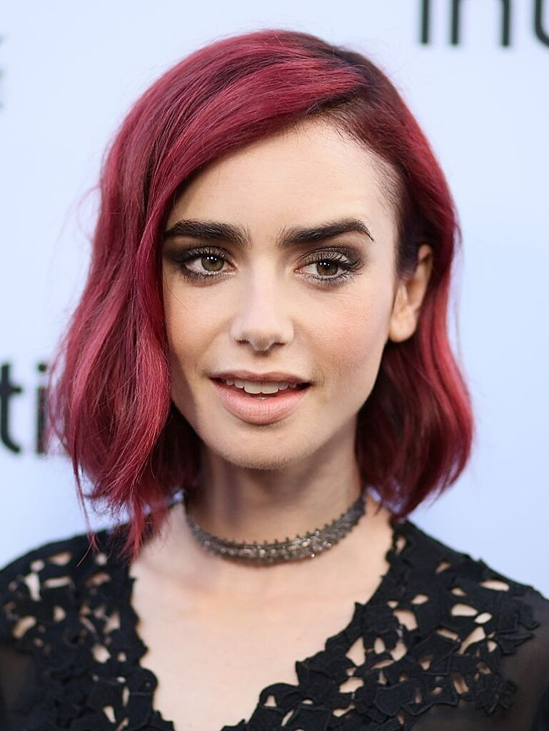 Lily Collins Is Officially Back To Brunette After Going Blonde For Literally One Day Hellogiggles