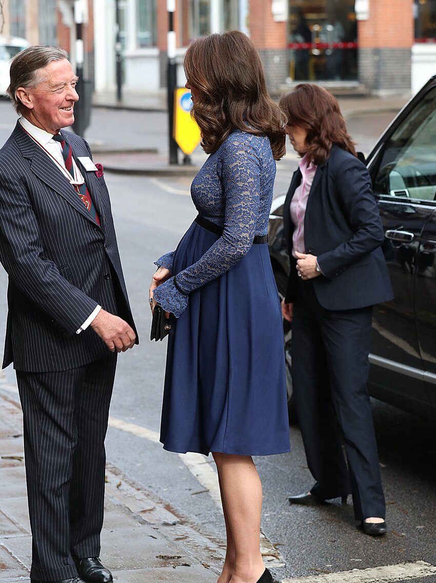 how is kate middleton s hair always so perfect instyle how is kate middleton s hair always so perfect instyle
