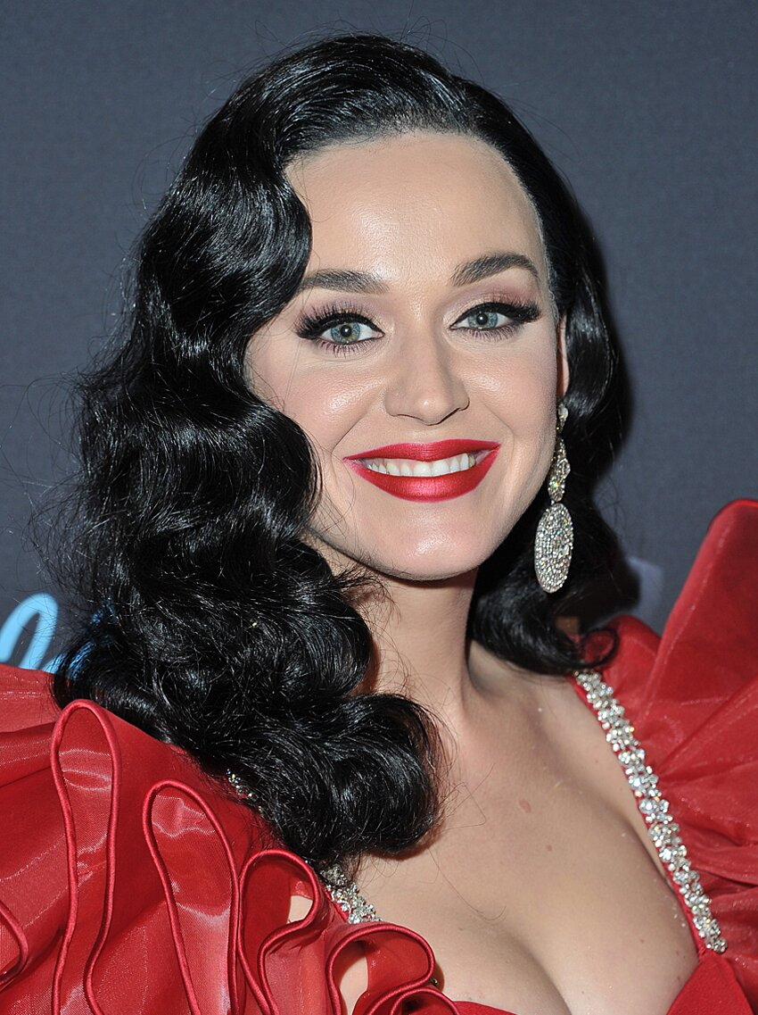See Katy Perry S New Long Black Hair Instyle