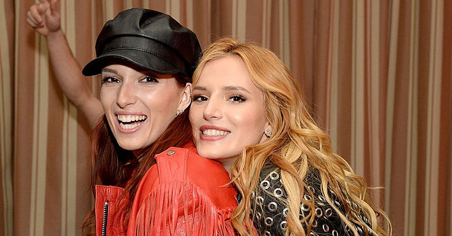 Bella Thorne S Sister Dani Thorne Is Basically Her Twin But With Awesome Two Toned Hair Hellogiggles