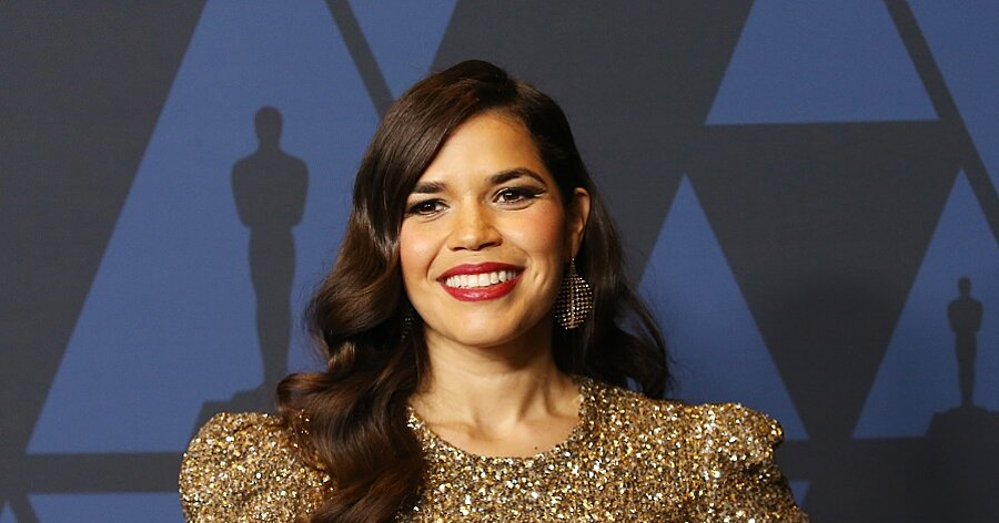 America Ferrera Announced She S Pregnant On New Year S Eve Hellogiggles