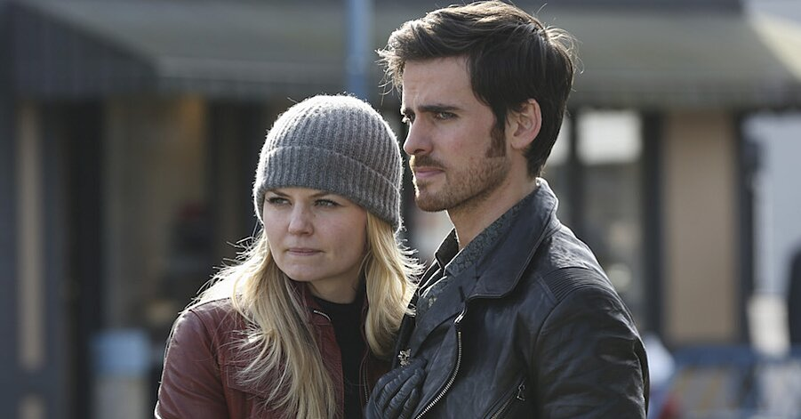 Emma And Hook Took A Huge Step Forward In Their Relationship On Tonight S Once Upon A Time And Fans Are Flipping Out Hellogiggles