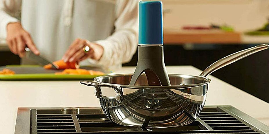 This Automatic Pan Stirrer from Amazon Means You'll Never Burn the Bottom of Your Food Again
