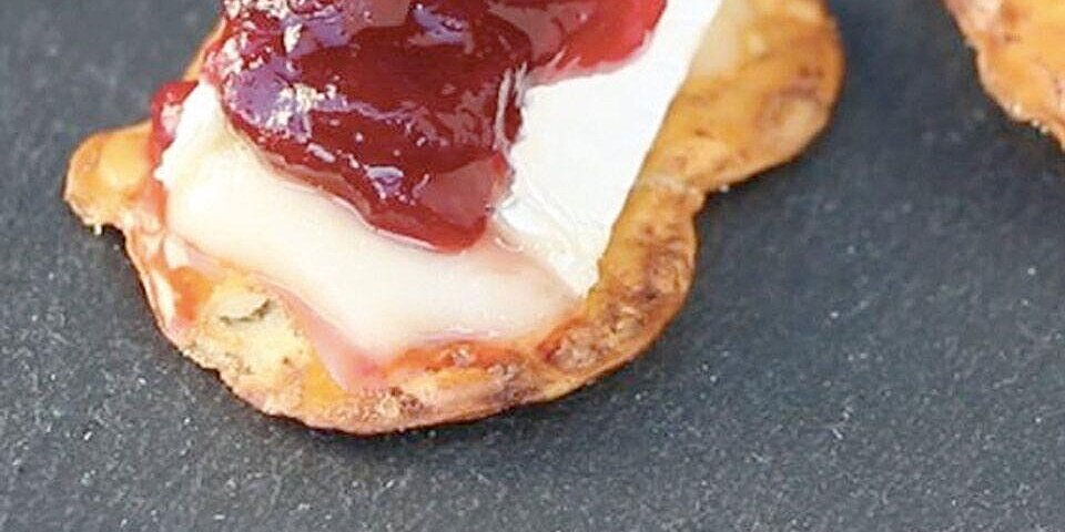 cranberry brie holiday bites recipe