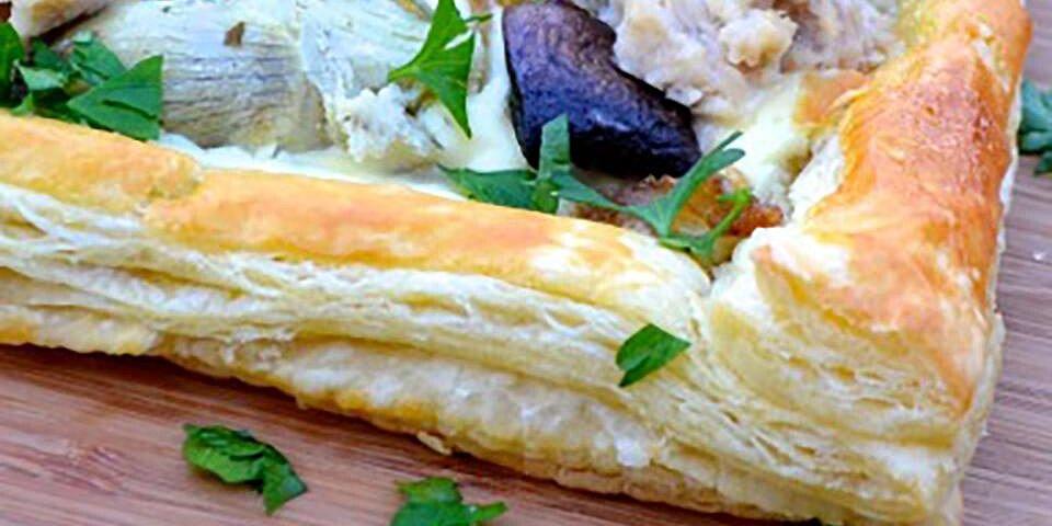 tuna tart with mushrooms and artichokes