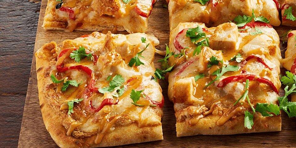 shareable thai chicken flatbread recipe