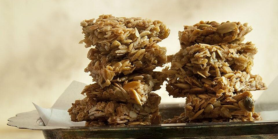 no bake nutty oat bars