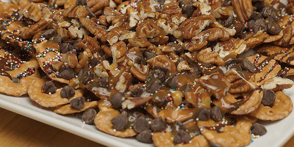 hersheys dessert nachos 3 ways pretzel variation