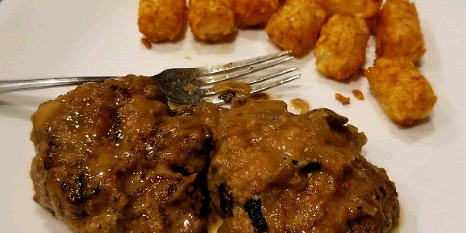 salisbury steak slow cooker style recipe