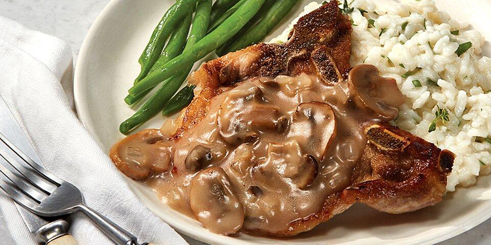 pork chops in a mushroom wine sauce