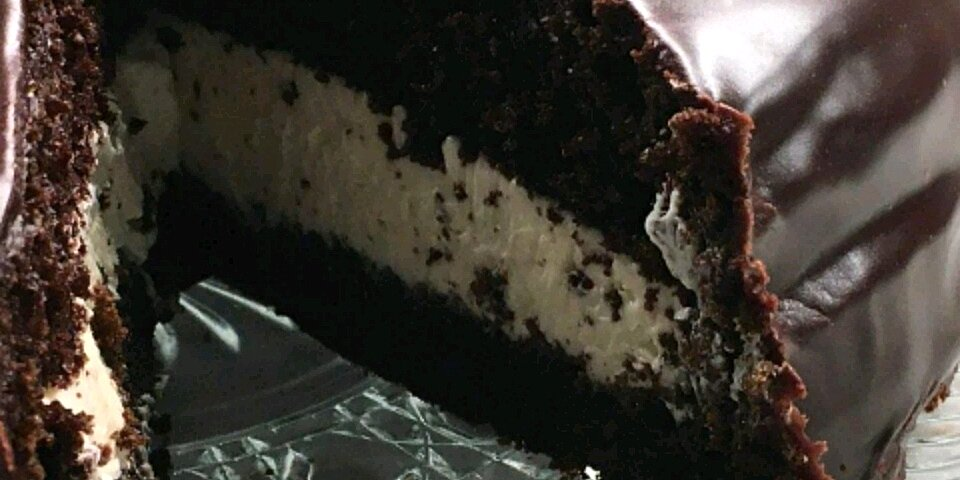 11 giant cake and cookie recipes