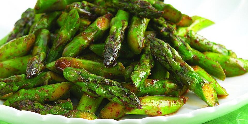 Chile Spiced Asparagus Recipe Eatingwell