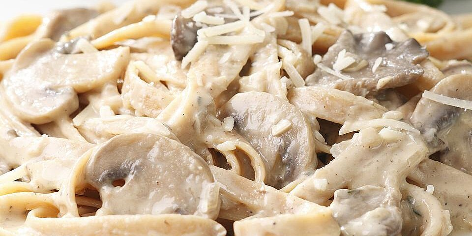 Fettuccine With Creamy Mushroom Sauce Recipe Eatingwell