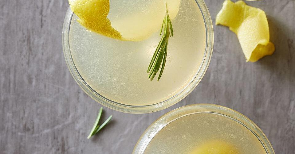 28 Low-Carb Cocktails Perfect for Tonight's Happy Hour