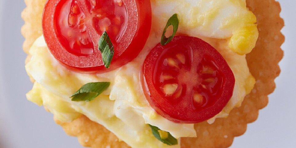 ritz egg salad tomato bites