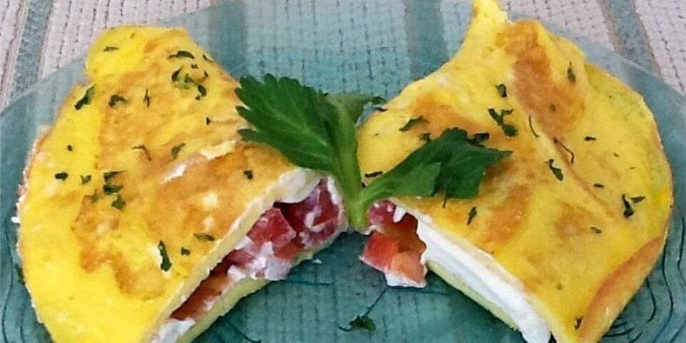 cream cheese and tomato omelet with chives recipe