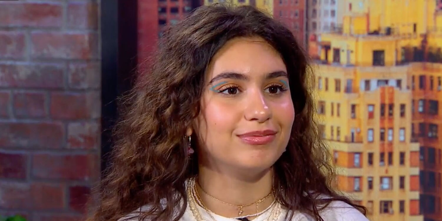 Alessia Cara on How She Dealt With Her Anxiety That Turned Into 'Full-Blown Panic Attacks'.jpg