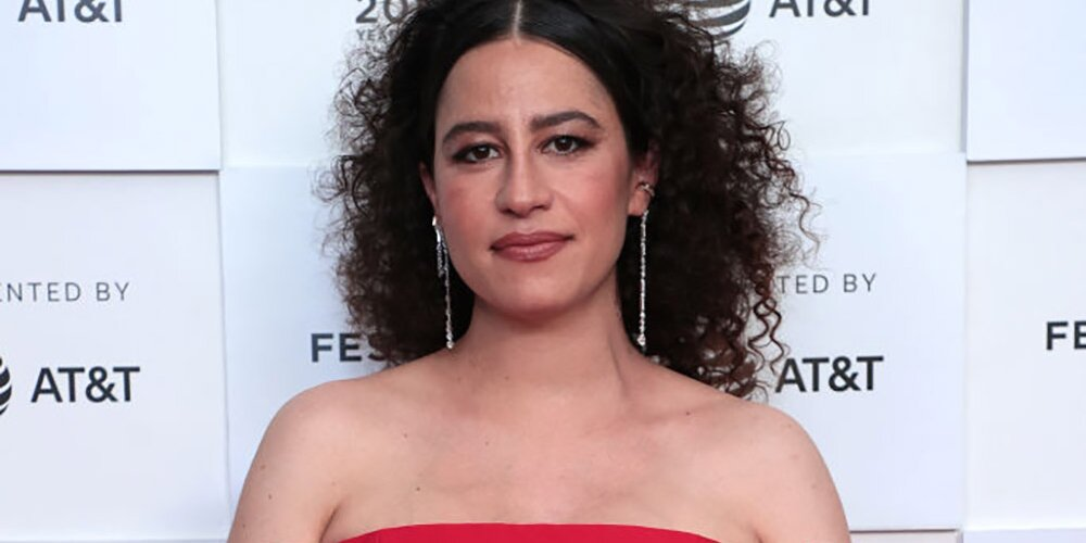 Ilana Glazer Says Being Pregnant for the First Time at 34 Is 'Not Ideal' Physically.jpg
