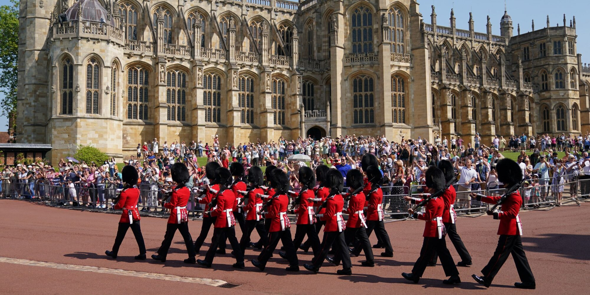 Windsor Castle Hosts First Ceremonial Changing of the Guards Since COVID-19 Pandemic Lockdowns.jpg