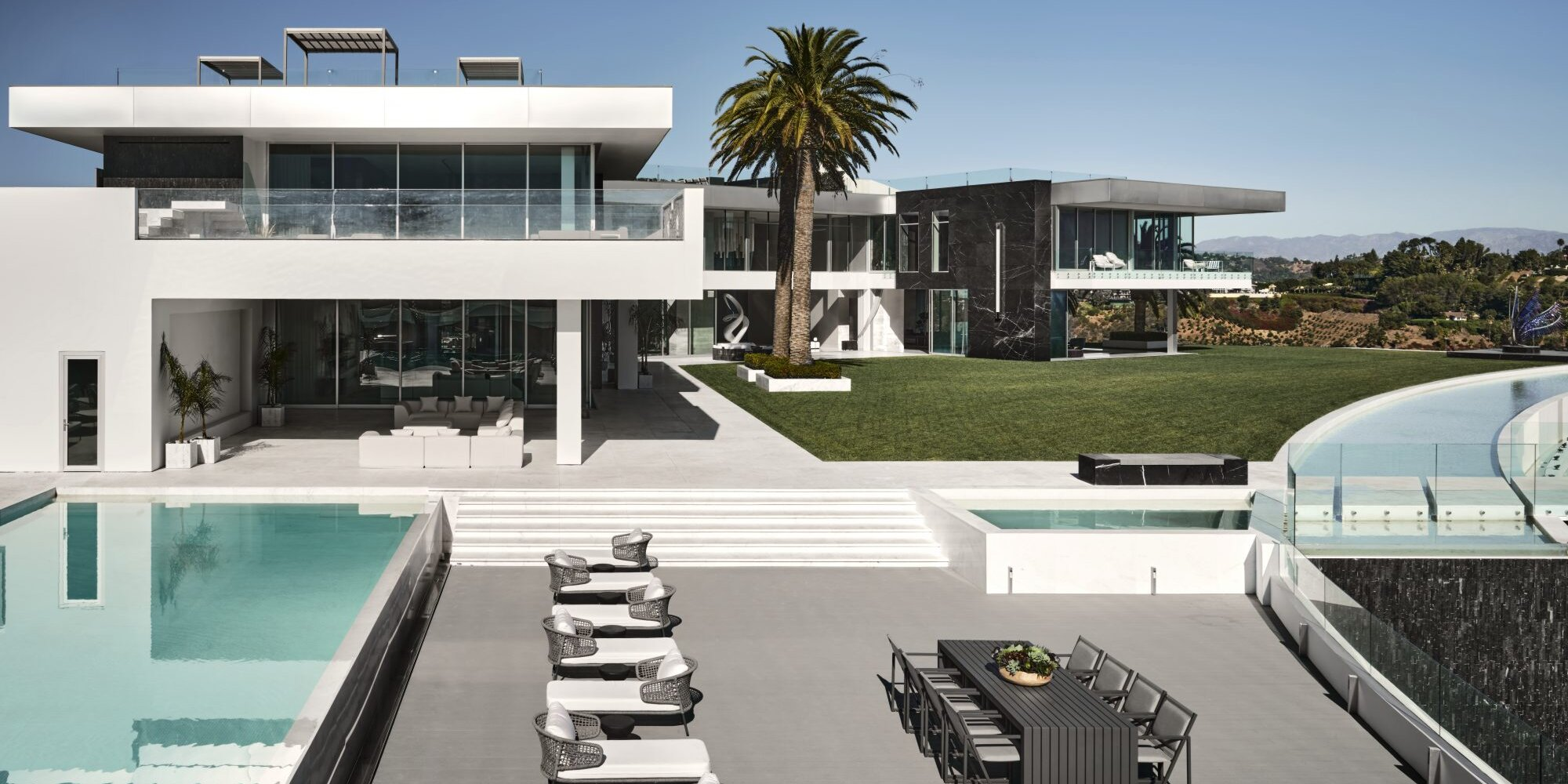 Inside America's Most Expensive Home A 10,10 Sq. Ft. Mansion ...