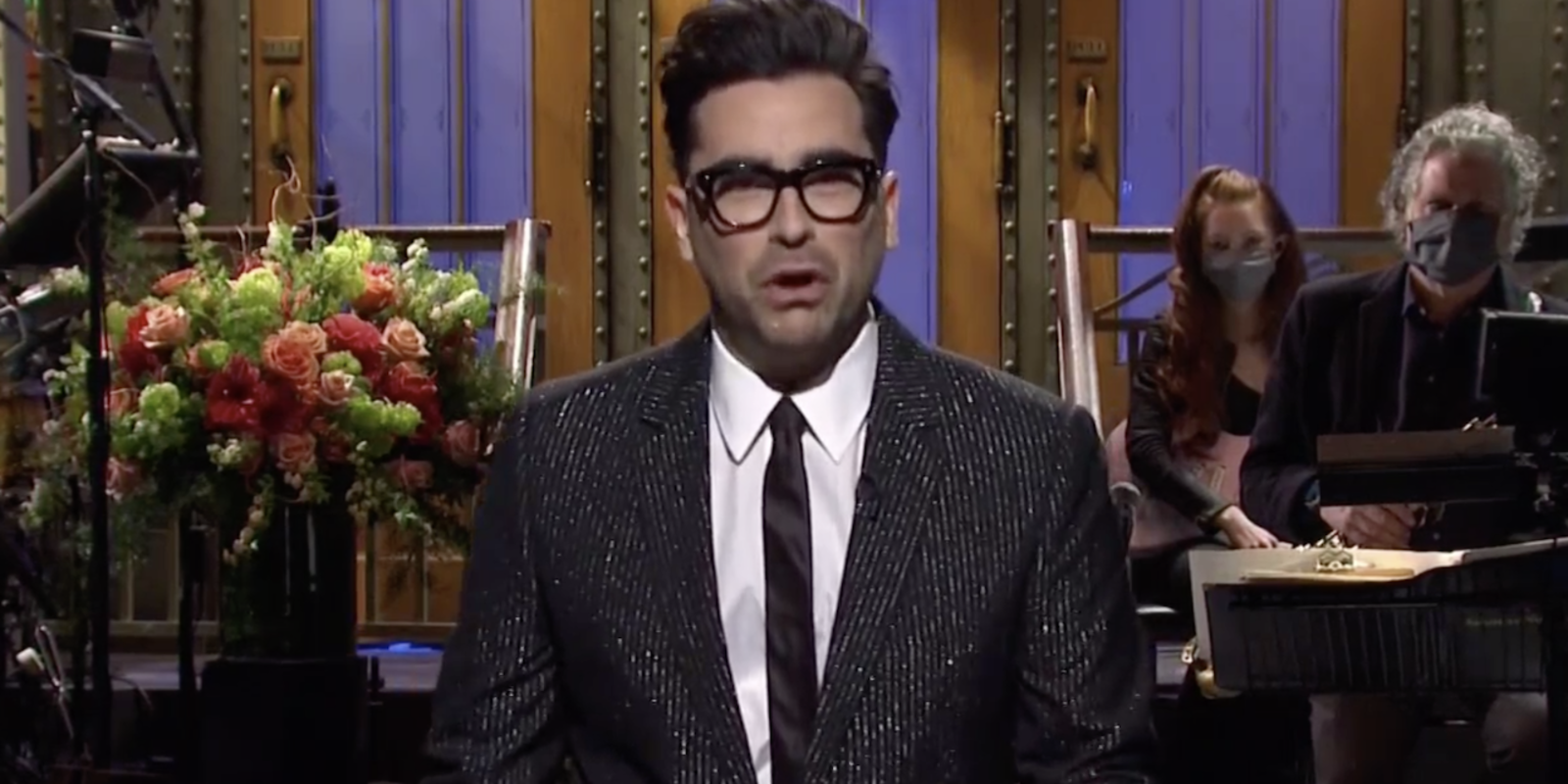 Dan Levy inspired a new trend among 'SNL' hosts that's still going strong