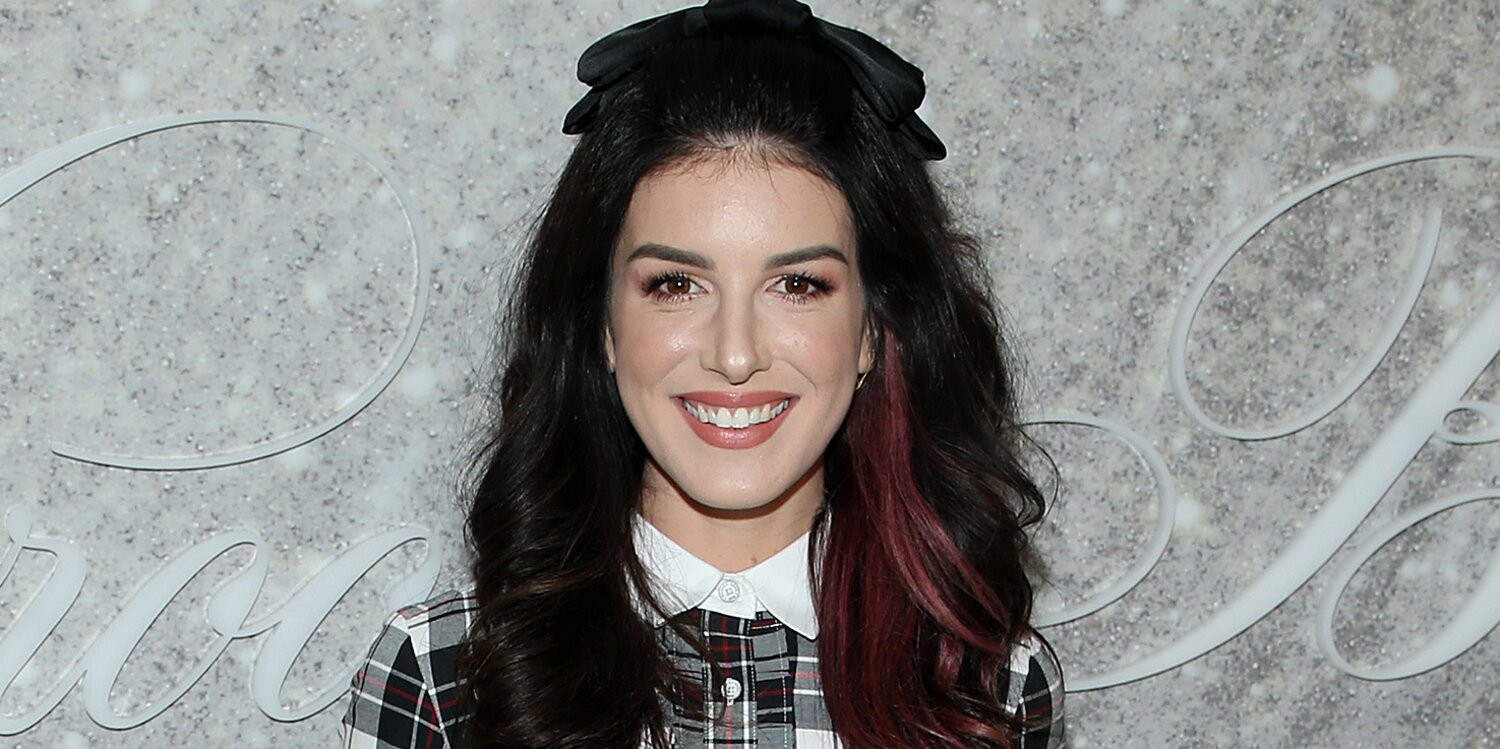 Shenae Grimes-Beech Expecting Her Second Child: 'Here We Go Again'.jpg