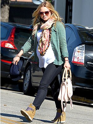 214a980c4f08 Look for Less  Kristen Bell s Street Chic