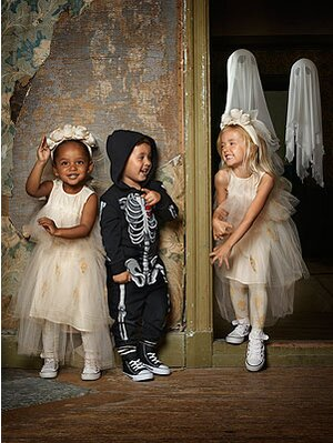 Hm Halloween Collection.Boo Tiful H Amp M S Kids Halloween Collection Is
