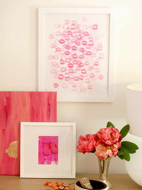 DIY Lipstick Chic Wall Art | DIY Valentine Gifts You Can Make In Under An Hour | diy valentine gifts