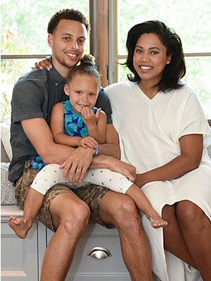 3ecc354e61d Stephen and Ayesha Curry Welcome a Baby Girl