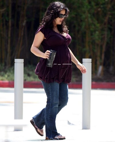 Salma Hayek out in Hollywood | PEOPLE com