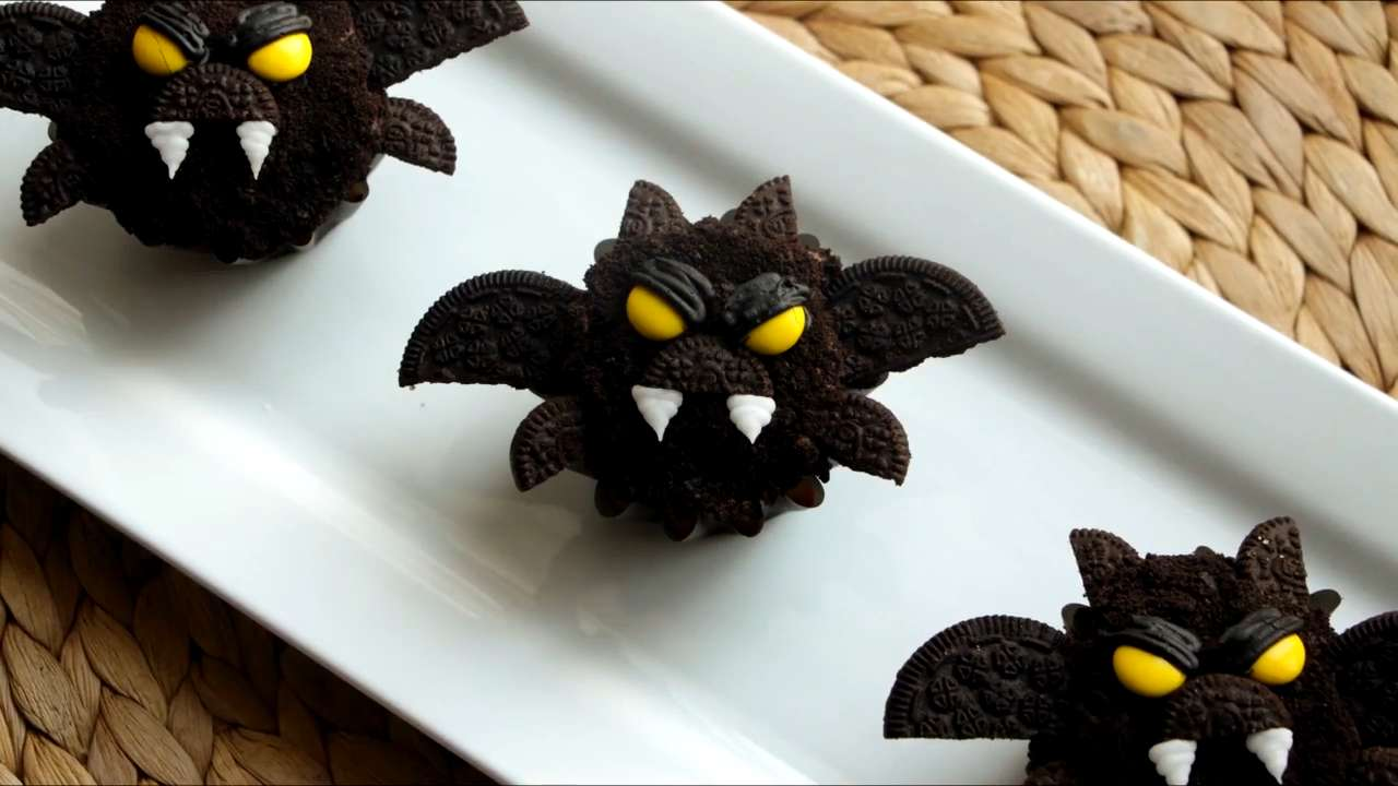 How to Make Bat Cupcakes