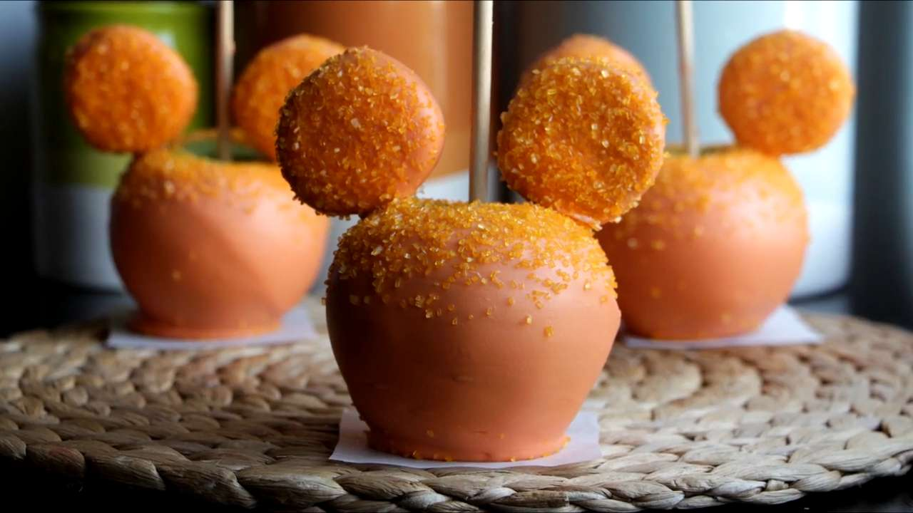 How to Make Mickey Mouse Dipped Apples