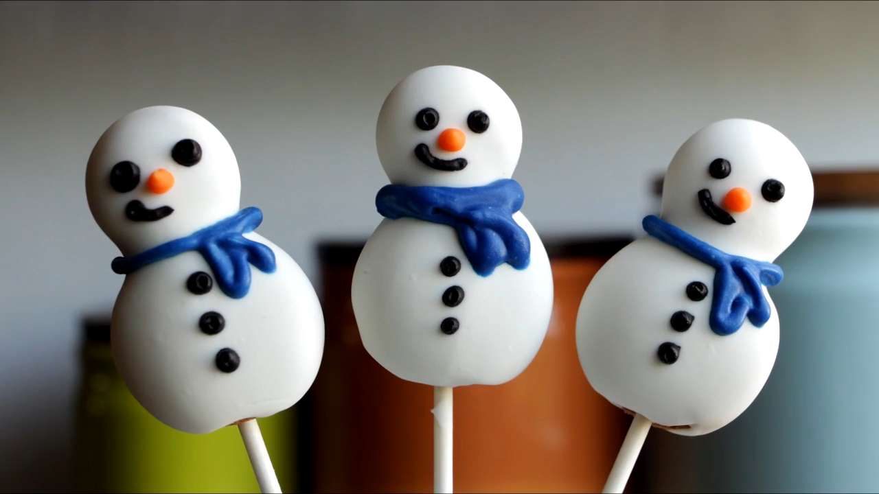 How to Make Christmas Cookie Pops