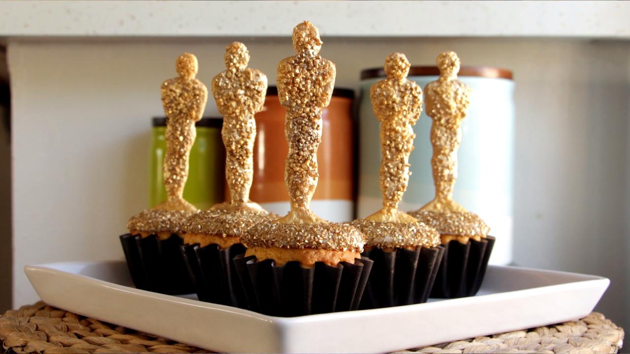 How to Make Oscar Awards Cupcakes