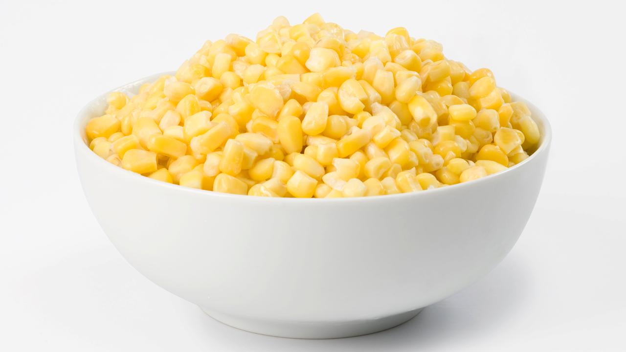 Video: How to Cut Corn Off the Cob