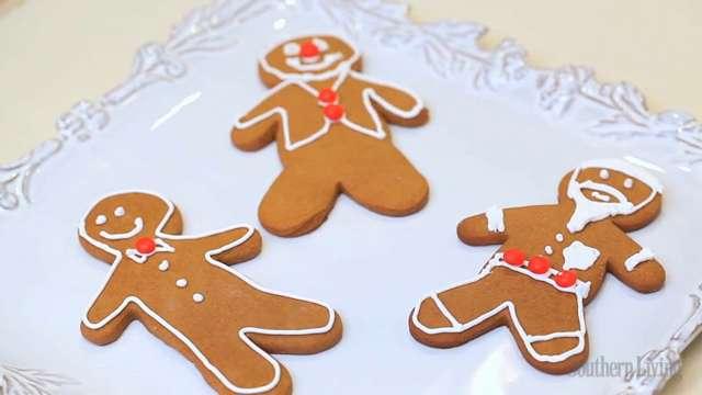 How to Make Gingerbread Men Cookies