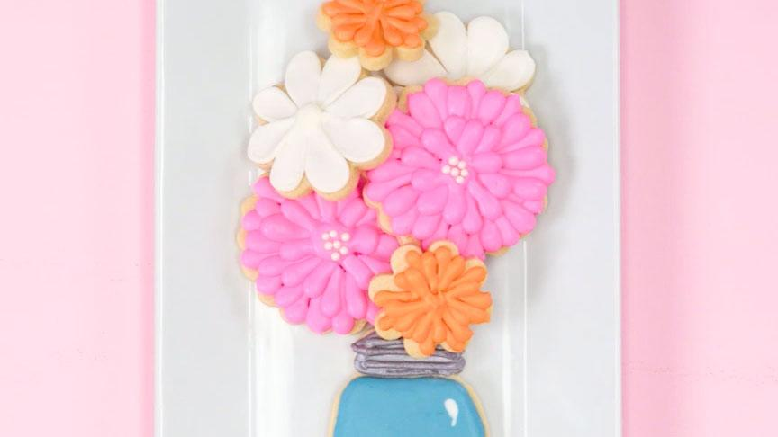 This Mother's Day Cookie Bouquet Is Both Pretty & Tasty