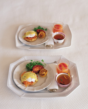 Poached Eggs and Smoked Salmon with Dill Bearnaise