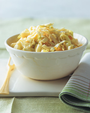 Classic Coleslaw with Creamy Dressing