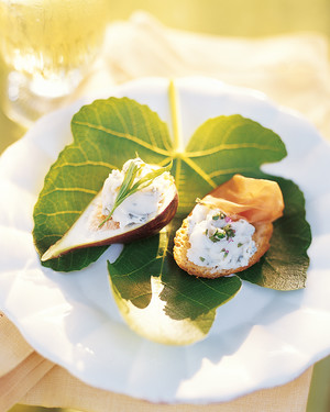 Prosciutto Crostini and Fresh Figs with Gorgonzola