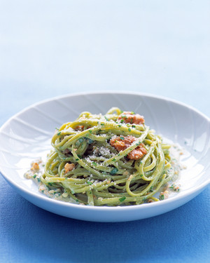 Spinach Linguine With Walnut Sauce