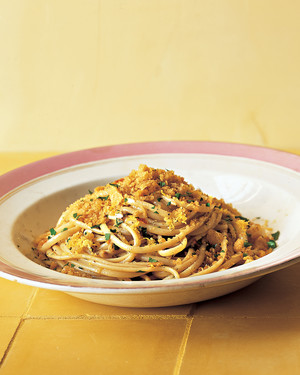 Linguine with Garlic, Breadcrumbs, and Anchovies