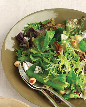 Mesclun Salad with Shallots and Blue Cheese