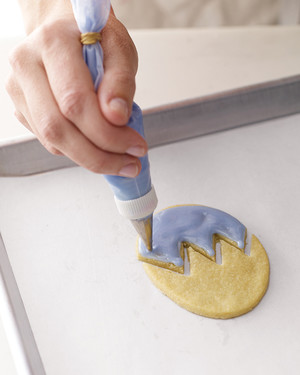 Royal Icing for Easter Egg Puzzle Cookies