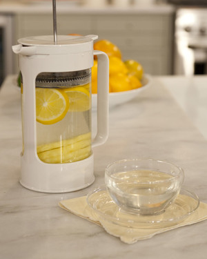 5098_022610_infusedwater.jpg