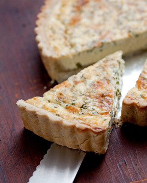 Herbed Quiche with Blue Cheese